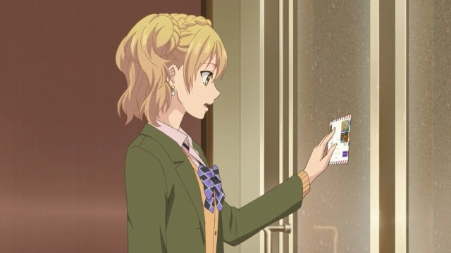 Yuzu delivering a letter to Mei.jpg