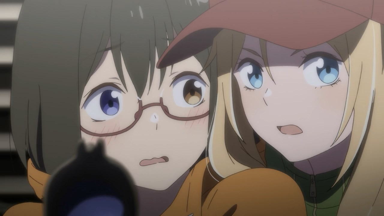 Toriko showing a blushing Sorawo how to hold a rifle